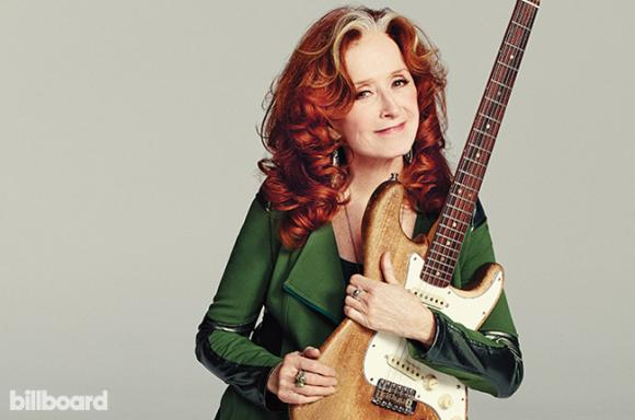 Bonnie Raitt at Northern Alberta Jubilee Auditorium